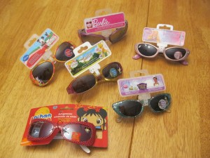 IMG 1071 300x225 6 pairs KIDS sunglasses $8.99 shipped ($1.50 each)