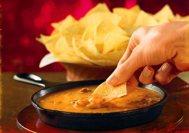 chilis free queso and chili skillet Printable Coupon for FREE dessert or appetizer at Chilis